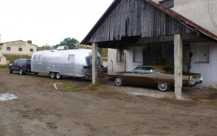 Plymouth Fury III. & Airstream